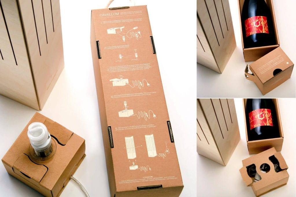 vrchný obal s návodoom na zloženie lampy z komponentov priložených v balení vína